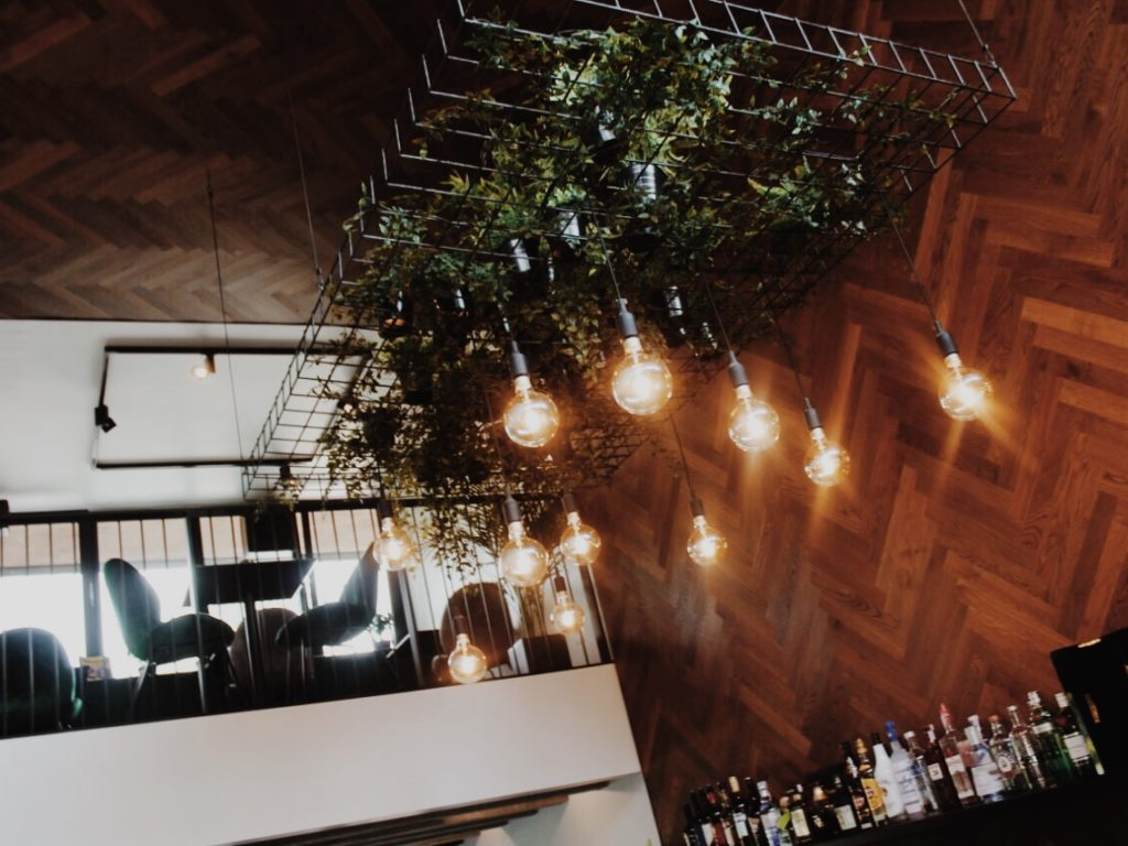 Installation of plants above the bar