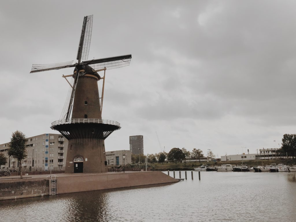Dutch windmill De Distilleerketel