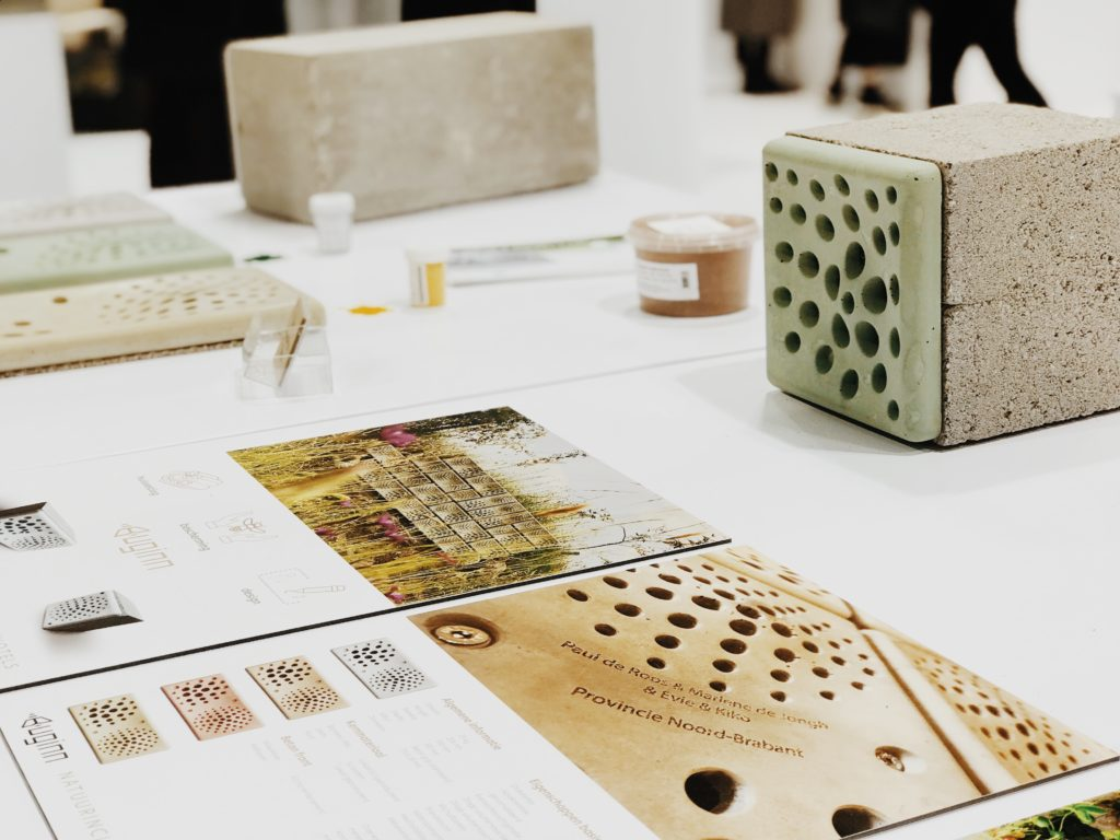 An innovative modern design beehive, urban beekeeping