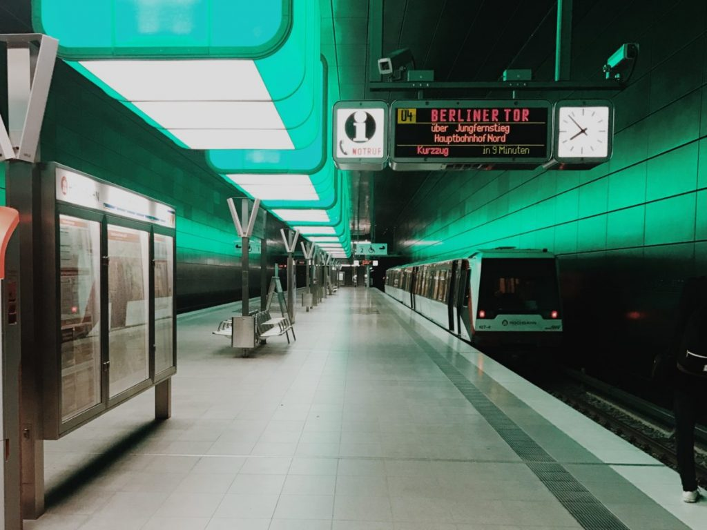 Light installation in the U-Bahn HafenCity Universität subway station