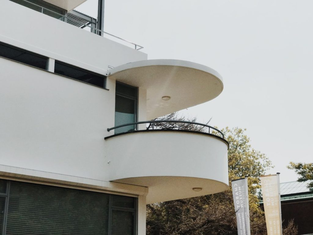 Bauhaus building with rounded balconies