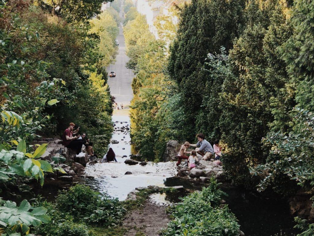 Family Enjoy in Waterfall in Viktoriapark in Berlin Kreuzberg