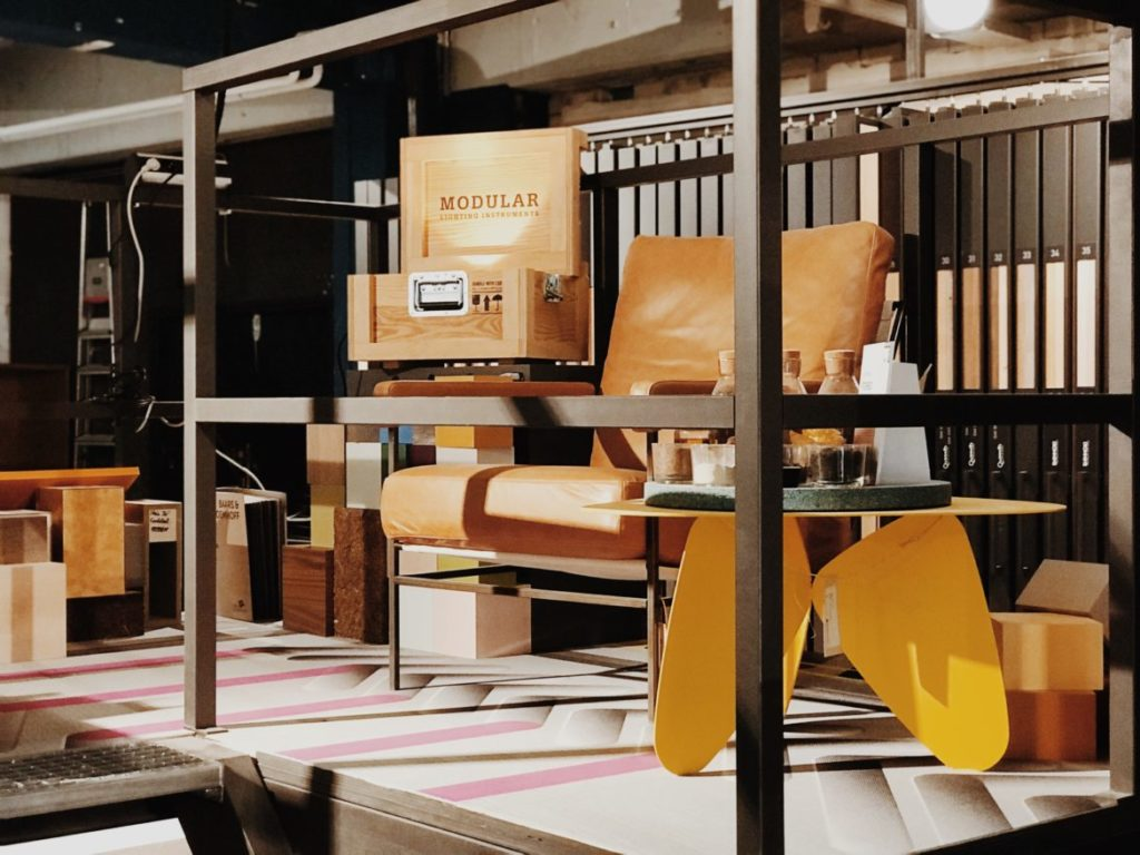 Display of samples of materials and colors in a furnishing store for clients and architects