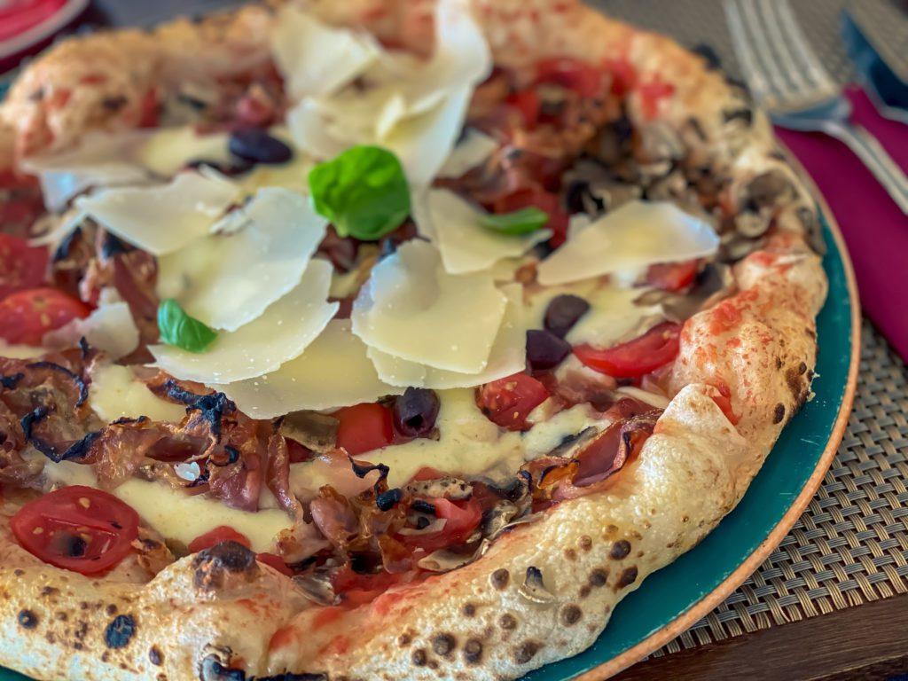 Pizzas baked in an original Neapolitan oven, Gourmet Bar Basta Split, West Coast, Split, Croatia