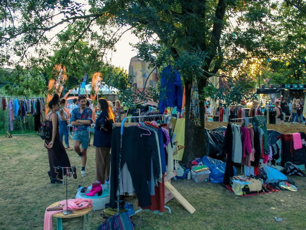 Najs flea market Zagreb - offer of second-hand clothes at affordable prices